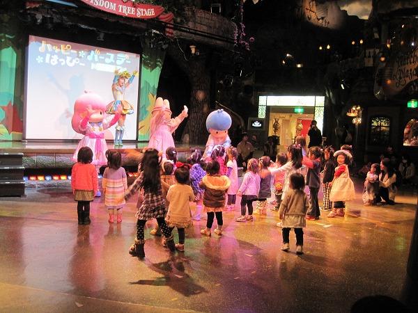 誕生日の子どもは前で踊れる
