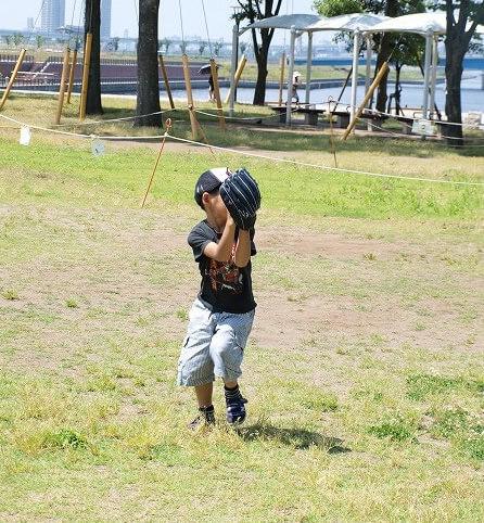 子供用の野球グローブ
