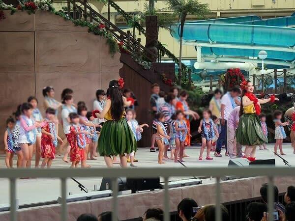 ハワイアンズでフラダンス体験
